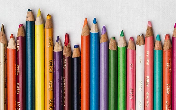 Colouring pencils.