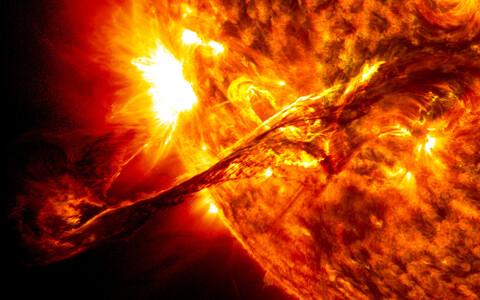 Päikesel võib näha aeg-ajalt ka suuremaid loiteid.