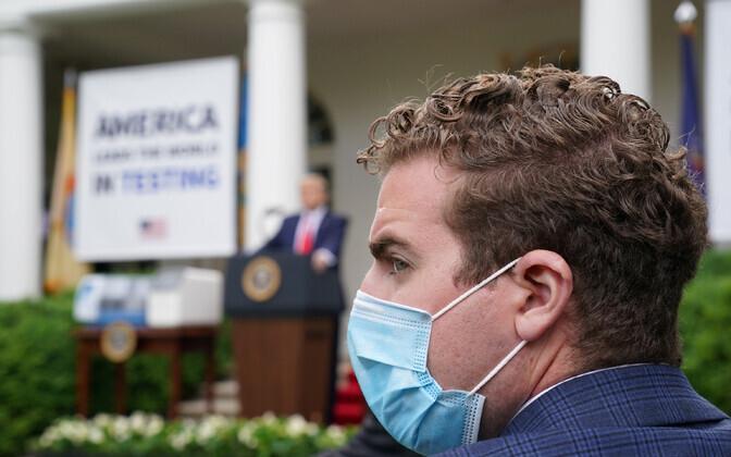 President Trumpi esmaspäevase pressikonverentsi ajal kanti Valges Majas juba maske.