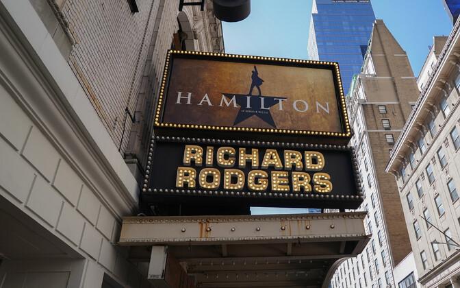 Hamilton viidi Broadway lavale 2015. aasta augustis Richard Rodgers Theatre'isse.