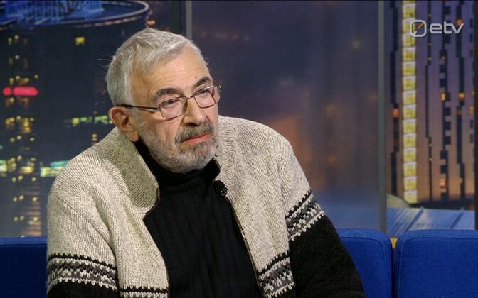 В студии передачи Ringvaade Алексей Туровский напомнил правила поведения при встрече с лесными животными.