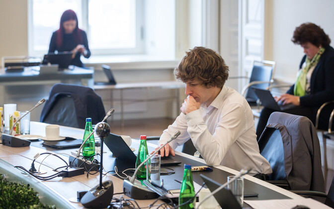 Minister of Social Affairs Tanel Kiik (Center) at an Estonian government meeting.