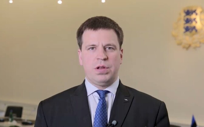 Prime Minister Jüri Ratas (Center) in his video address Friday evening.
