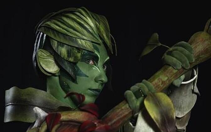 Kostüüm arvutimängust Guild Wars 2, cosplayer Galina Zaitseva.
