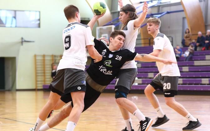 Hetk ühest viimastest kohtumistest lõppeval käsipallihooajal – noormeeste A-klassi liigamängust Põlva Spordikooli ja SK Tapa vahel.