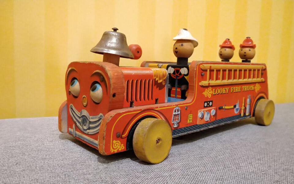 Fisher-Price'i tuletõrjeauto 50. aastatest.