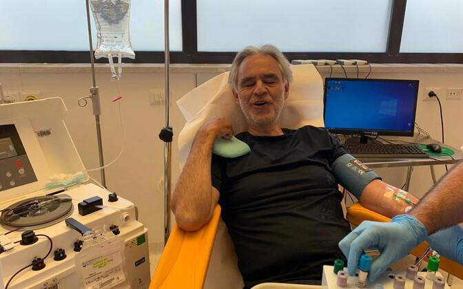 Andrea Bocelli vereplasmat annetamas