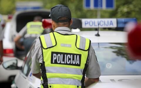 Сотрудники литовской полиции.