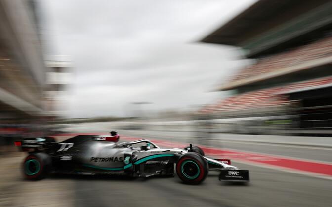 Valtteri Bottas Mercedese roolis Barcelona GP vabatreeningul. Soomlane lõpetas mulluse hooaja tiimikaaslase Lewis Hamiltoni järel teisel kohal.