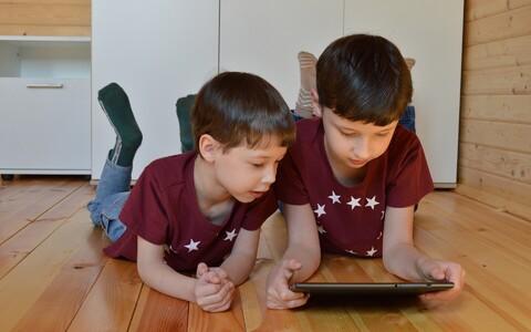 Vähem magavad lapsed kasutavad sagedamini sotsiaalmeediat.