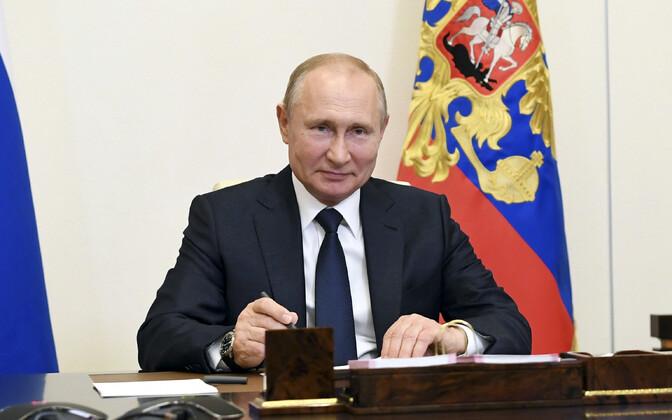 Vladimir Putin esmaspäevasel videokonverentsil.