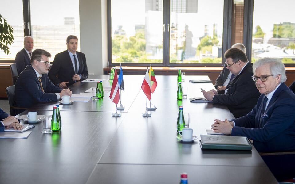 Главам МИД стран Балтии не удалось добиться от польского коллеги обещания открыть границу.