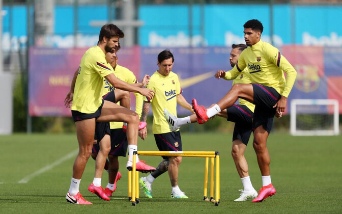 FC Barcelona mängijad treeningul