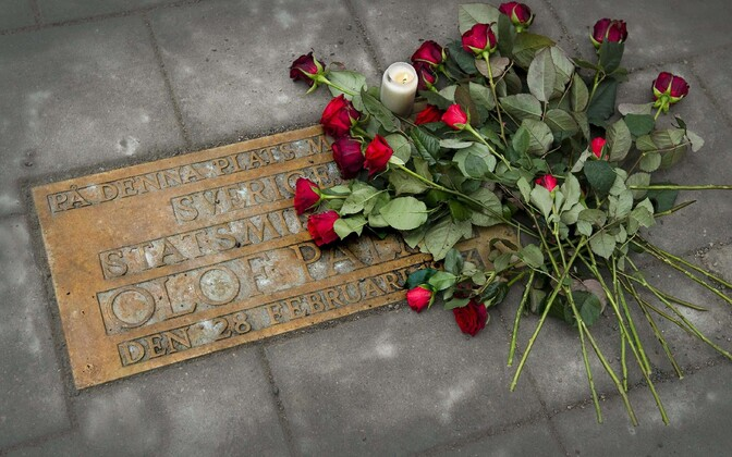 Mälestustahvel Olof Palme mõrvapaigas Stockholmis.