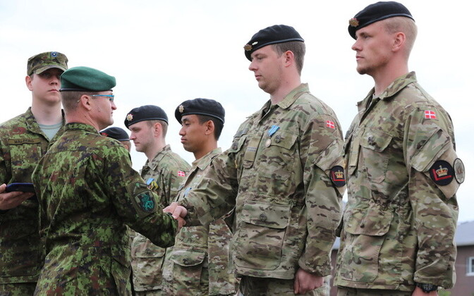 Danish service members receiving their medals Friday.