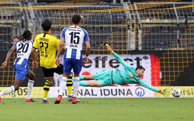 Emre Cani täpne tabamus tõi Dortmundile kolm punkti