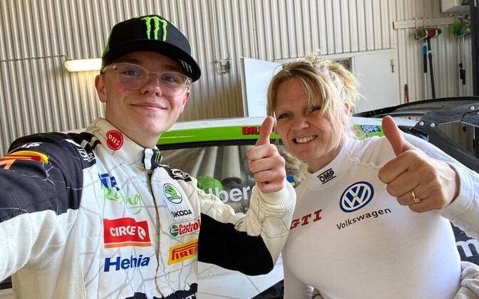 Oliver Solberg ja ema Pernilla Rally Sweden Lockdownil
