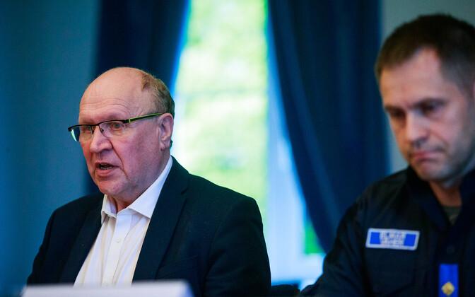 Interior minister Mart Helme (left), with PPA chief Elmar Vaher.