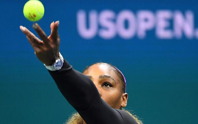 Serena Williams mängimas mullu kodusel suure slämmi turniiril US Open