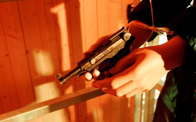 Eesti on rahvusvahelise uuringu andmetel üks riikidest, kus relvaõnnetuste tagajärjel sureb inimesi suhteliselt vähe.