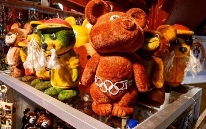 Moskva olümpiamängude maskotid lähevad suveniiridena endiselt müügiks.