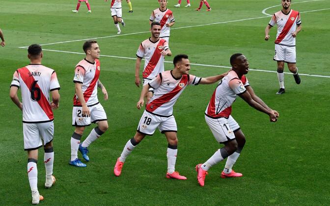Rayo Vallecano meeskond võiduväravat tähistamas