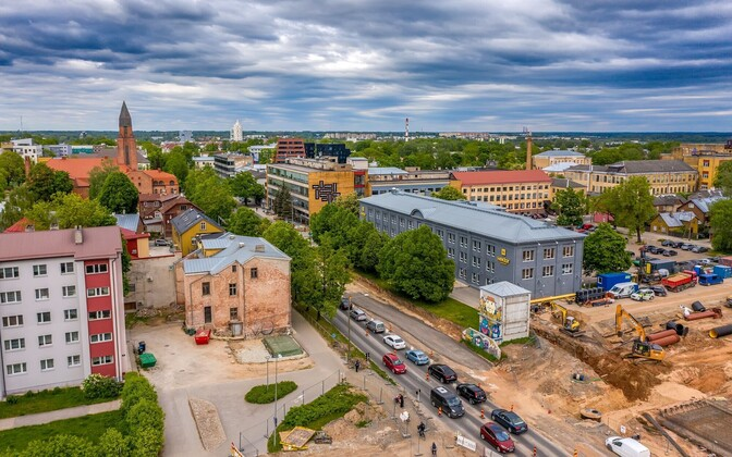 Major roadwork underway on Riia Street in Tartu.