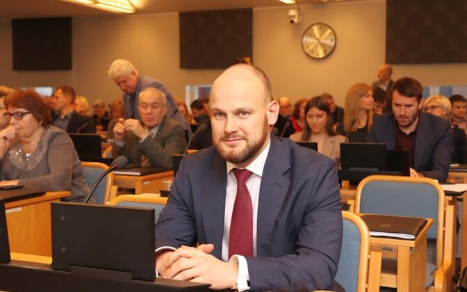 Tallina linnavolikogu. Esiplaanil Anto Liivat.