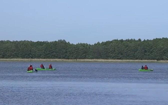 Harku järve koristamine kajakite abil.