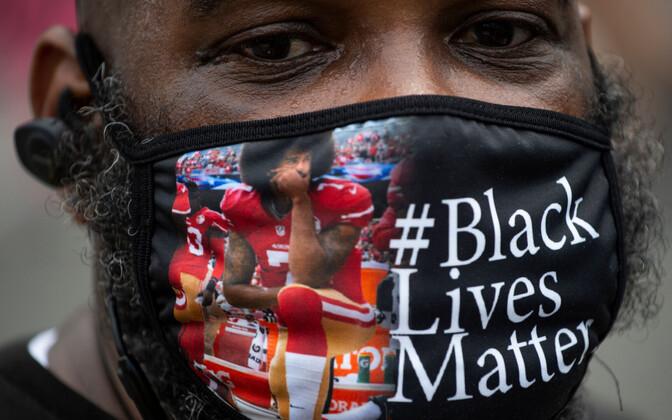 Colin Kaepernicki pildiga mask mustanahalise protestija näol