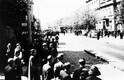 Meeleavaldajate kolonn suundumas mööda Narva maanteed Weizenbergi tänava poole, lõppsihiks presidendi loss Kadriorus.