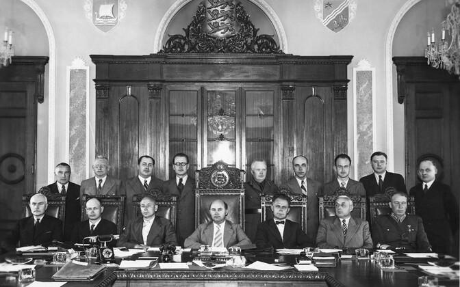 Johannes Varese valitsus koos juhtivate riigiametnikega 1940. aasta juunis.