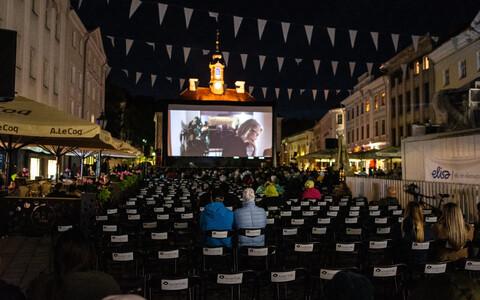 2019. aasta Tartuffi väliekraan raekoja platsil.