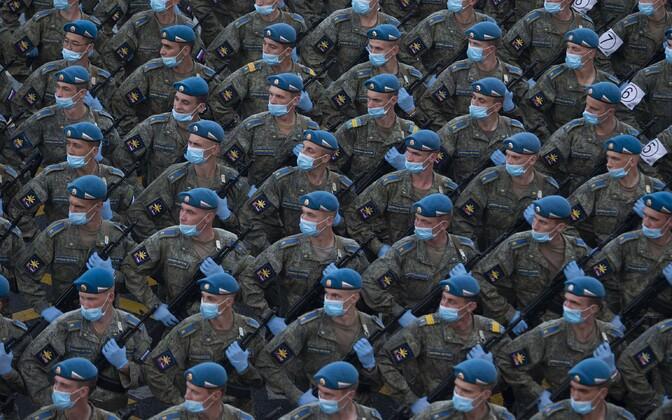 Репетиция парада проходила в защитных масках.