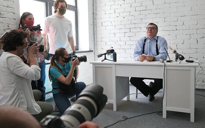 Виктор Бабарико на пресс-конференции 11 июня.