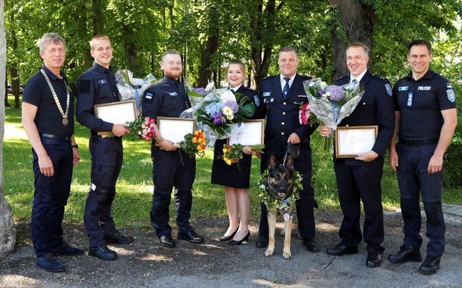 Таллиннский клуб Rotary в 20-й раз вручил премии лучшим молодым полицейским, а также лучшему кинологу и лучшей служебной собаке.