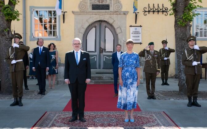 Presidents Kersti Kaljulaid and Egils Levits at Thursday's meeting in Kuressaare.