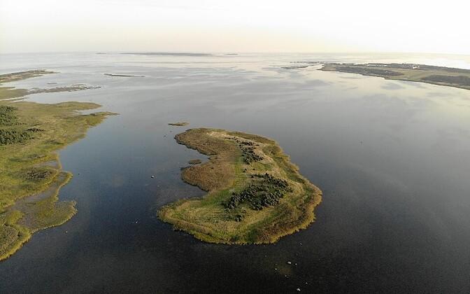 Estonia boasts well over 1,000 offshore islands, from the smallest, uninhabited islets, through to communities on Saaremaa and Hiiumaa.