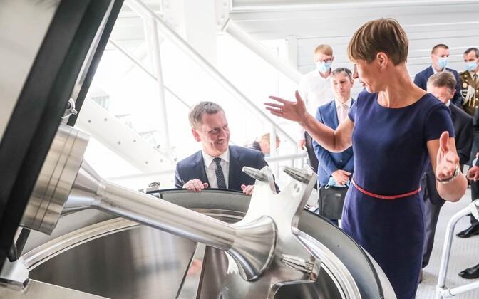 President Kersti Kaljulaid at the Skeleton Technologies plant in Dresden, Germany, on Sunday.
