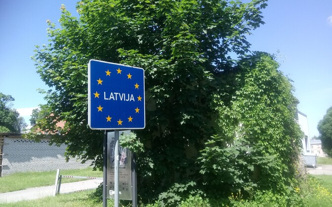 Estonian-Latvian border at Valga-Valka.