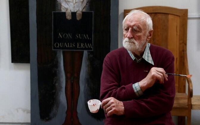 Kunstniku Andrzej Strumillo tütre Anna Strumillo ülesvõte isast maalimas.