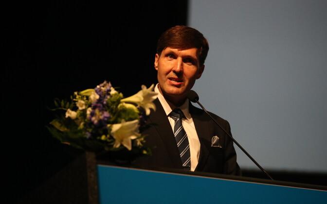 Мартин Хельме на съезде EKRE.