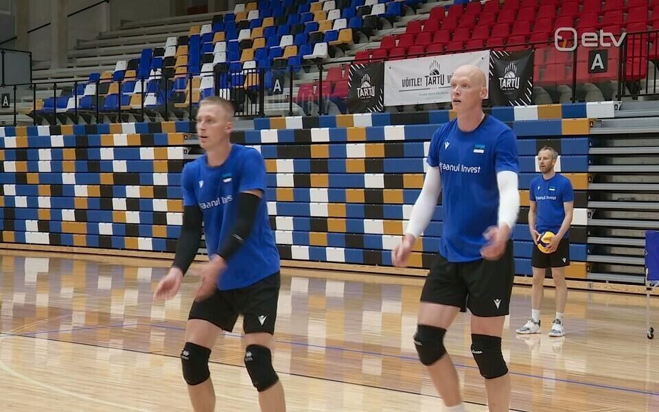 Markus Uuskari (vasakul)
