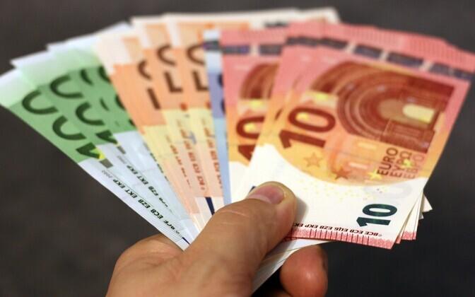 Евро купюры.