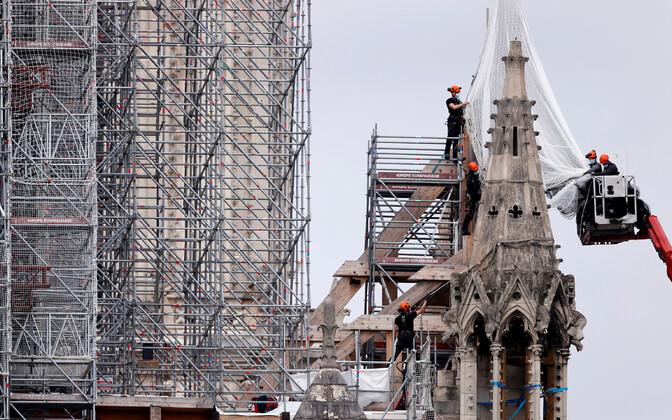 Jumalaema kiriku taastustööd juunis 2020.