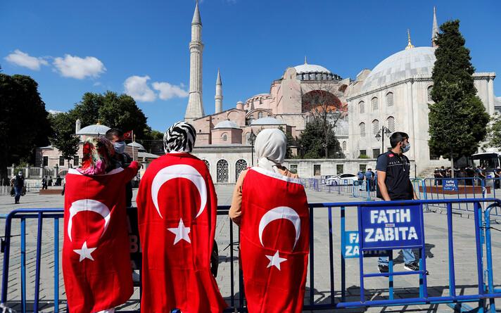 Собор Святой Софии разрешили превратить в мечеть.