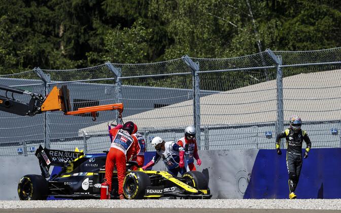 Daniel Ricciardo tegi Stüüria GP teisel vabatreeningul avarii