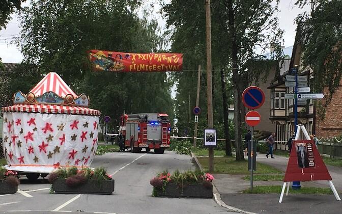 Päästjatel on tormi tõttu ohtralt tööd nii Pärnu linnas kui maakonnas, samuti mujal Lääne- ja Kesk-Eestis