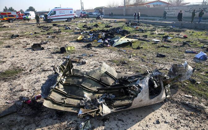Iraanis allatulistatud Ukraina reisilennuki rusud.