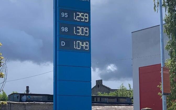 Kütusehinnad esmaspäeval Alexela tanklas.